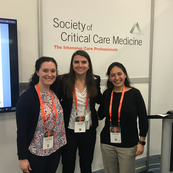 Paige Koetter (center) with her mentors, Dr. Hannah Stinson (left) and Dr. Shirley Viteri (right) at the SCCM 47th Critical Care Congress