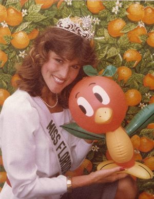 Miss Florida Citrus (1984) Lori Shirard Grubb with inflatable Orange Bird